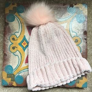 New without tags beanie with puff ball fur pompom